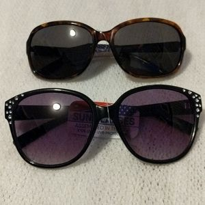 Women's Lot of 2 Foster Grant Sunnies